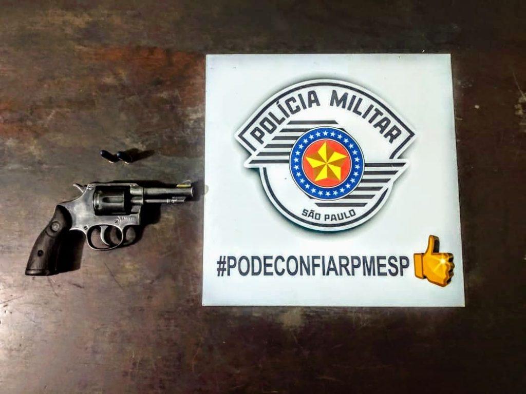 Arma usada para ameaçar mulher com disparo